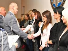 Komendant wręczył nagrody z okazji Święta Służby Cywilnej
