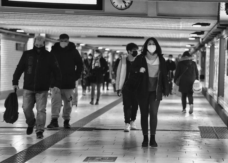 Morawiecki: Po 300 dniach epidemii możemy zacząć myśleć o powrocie do normalności