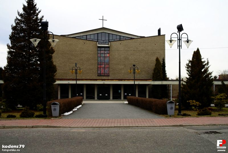 Janów Miejski - Kościół pw. Niepokalanego Poczęcia Najświętszej Maryi Panny i św. Maksymilia