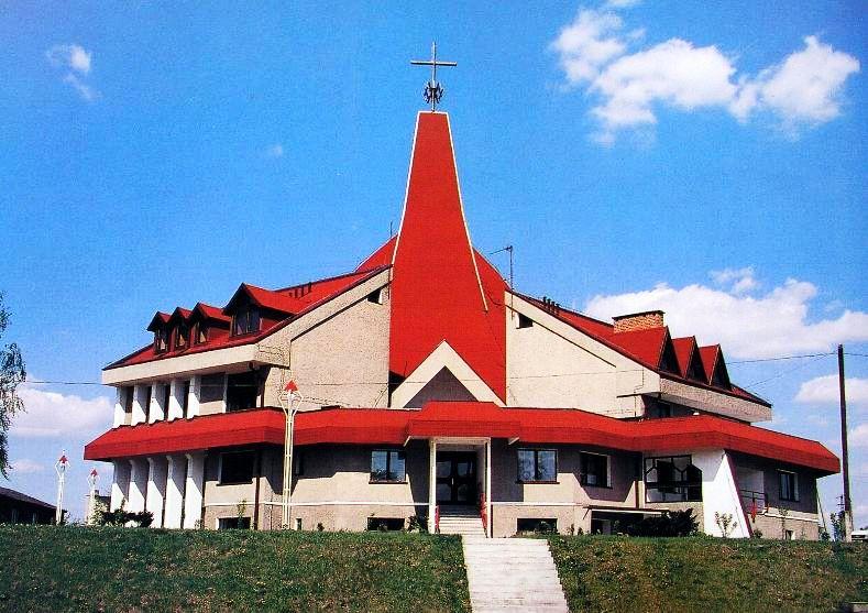 Ławki - Kościół pw. Ciała i Krwi Pańskiej
